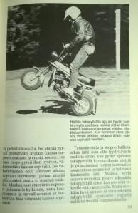 Keulimisesta Minä- ja Mopo-kirjassa, esimerkkikuvassa Suzuki PV